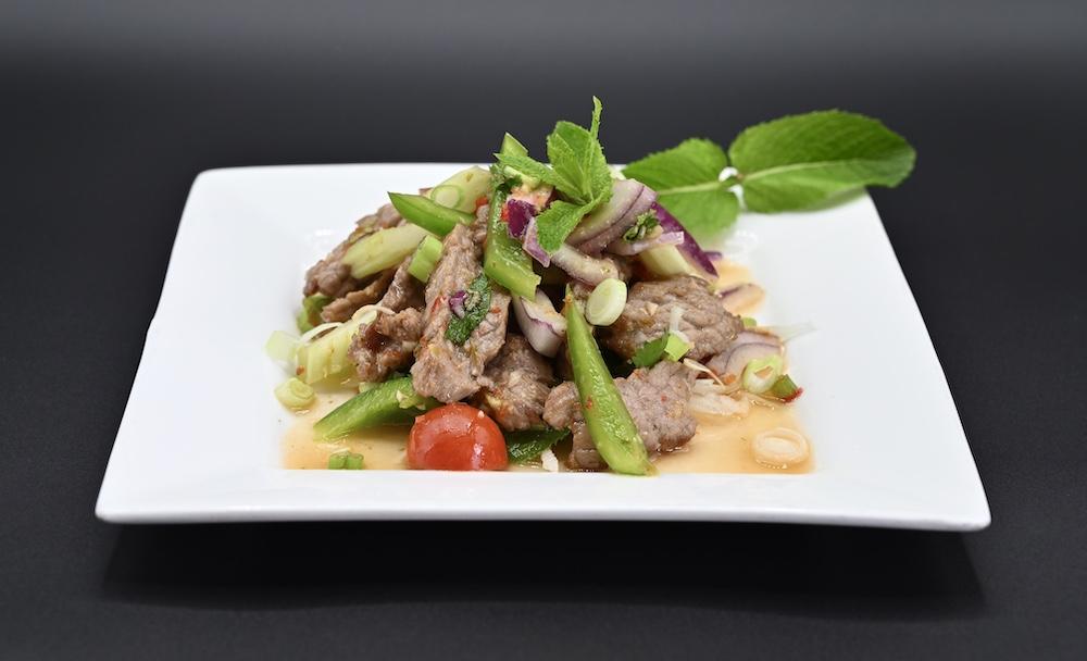 25. Spicy Beef Salad (Yum Neua) 🌶️ 🌶️