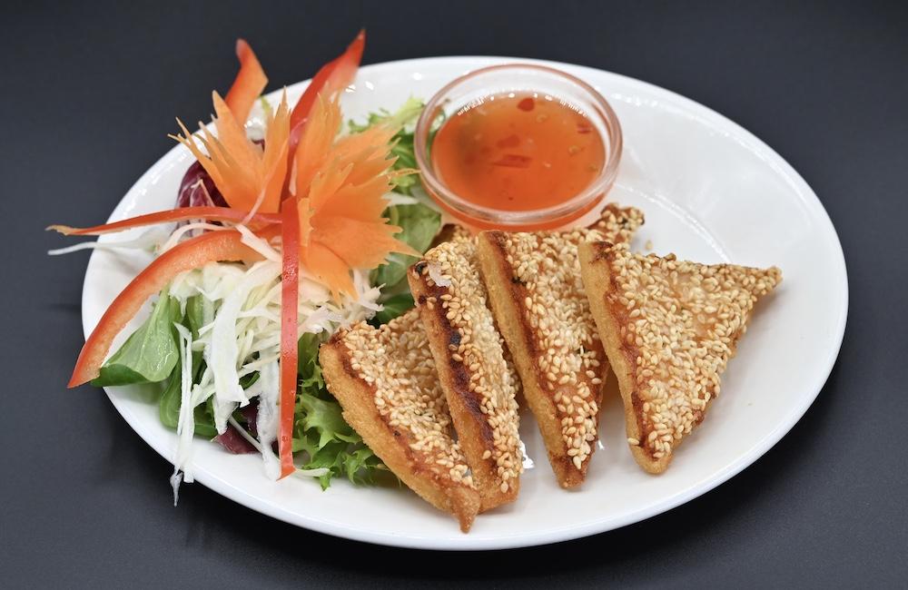 5. Prawns on Toast (Khanom pang naa Goong)
